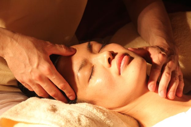 masaż-szyi